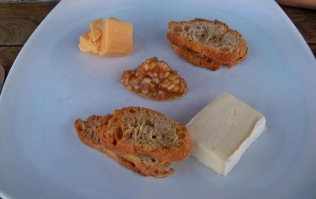 Quince - Quebec Brie & Dutch Farmers Beamster
