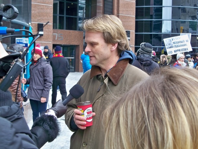 Toronto-Mar-01-15-Chris_Alexander_with_media