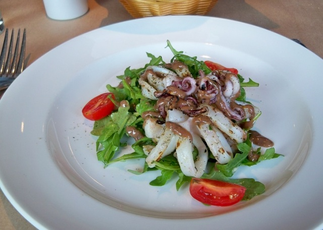 Brownes bistro - Grilled Calamari