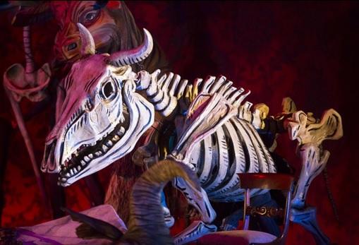 COC - La Traviata - puppetry