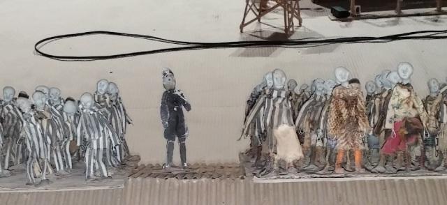 Kamp - puppets