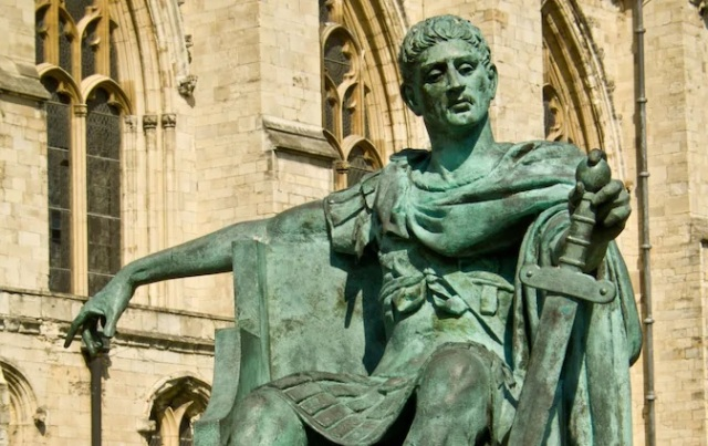 The statue of Emperor Constantine at York